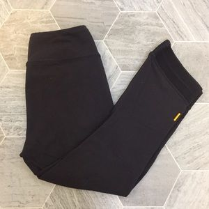 Lucy Power Max Capri | Black | XS